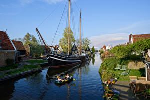 Фотографии Нидерланды Дома Реки Корабли Парусные Лодки Edam Города