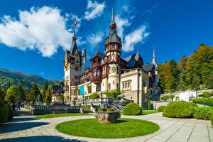 Картинки Румыния Замки Ландшафтный дизайн Газон Peles Castle Города