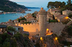 Обои Испания Дома Крепость Вечер Залив Tossa de Mar Catalonia Города