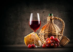 Фотография Натюрморт Вино Виноград Сыры Бутылка Бокалы Пища