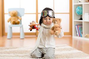 Картинки Плюшевый мишка Самолеты Мальчики Шлем Очки Ребёнок