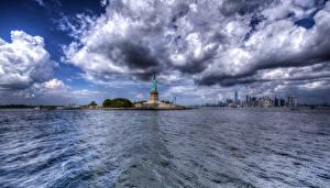 Фотография США Здания Нью-Йорк Облака Статуя свободы HDRI Города