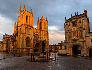 Картинки США Храмы Церковь Памятники Городская площадь Bristol Cathedral
