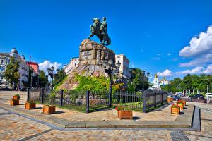 Фотографии Украина Киев Памятники Забор Уличные фонари