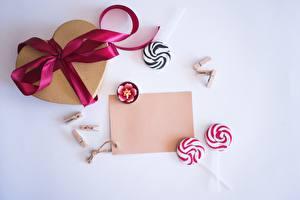 Фотография День всех влюблённых Леденцы Сердечко Шаблон поздравительной открытки