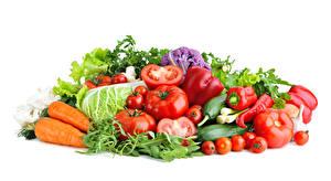 Картинки Овощи Морковь Томаты Перец Белый фон