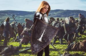 Фотография Воители Битва С щитом молодые женщины
