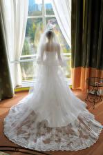 Фотография Невеста Платье Сзади