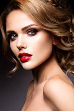 Фотографии Шатенка Лицо Красные губы Смотрит Красивые Девушки