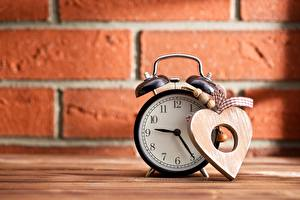 Обои Часы Будильник Сердечко