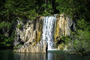 Фото Хорватия Парки Водопады Утес Plitvice Lakes National Park Природа