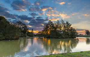 Фото Англия Речка Рассветы и закаты Небо Деревья Облака Fritham