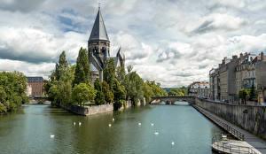 Фото Франция Здания Храмы Речка Temple Neuf Metz