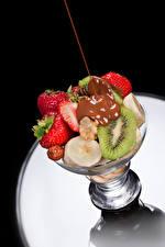Обои Фрукты Шоколад Клубника Киви Пища