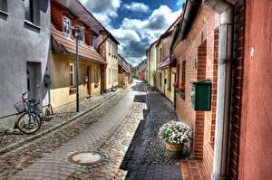 Картинка Германия Дома Ромашки HDRI Улица Велосипед Уличные фонари Barth