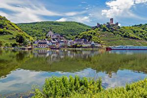 Фотография Германия Дома Реки Причалы Холмы Mosel Города