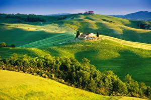 Фотографии Италия Тоскана Пейзаж Поля Здания Холмы Природа