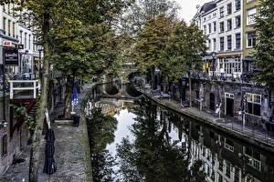 Обои для рабочего стола Голландия Утрехт Дома Водный канал Улице Дерево Города