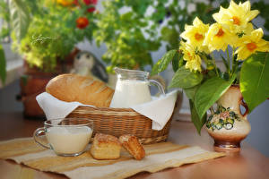 Фотографии Натюрморт Букеты Хлеб Молоко Ваза Корзинка Чашка