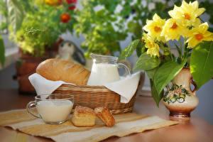 Фотографии Натюрморт Букет Хлеб Молоко Вазы Корзинка Чашка Еда