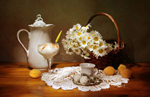 Фотографии Натюрморт Ромашки Мороженое Зефир Абрикос Чашка Корзина Кувшин Пища Цветы