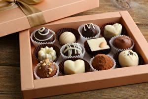 Картинка Сладости Шоколад Конфеты Коробка Дизайн Пища