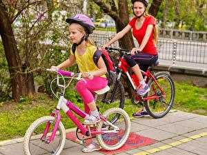 Фото 2 Девочки Велосипед Шлем Ребёнок