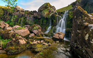 Картинки Великобритания Водопады Камень Утес Мох Wales Природа