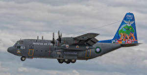 Картинка Самолеты Транспортный самолёт Летящий Lockheed C-130E Hercules 4153-2