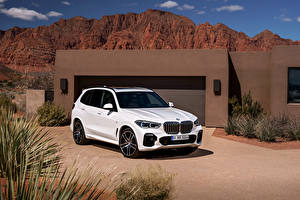 Обои БМВ Белая 2018 X5 xDrive30d M Sport Worldwide Автомобили