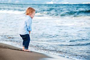 Обои Берег Волны Мальчики Счастье
