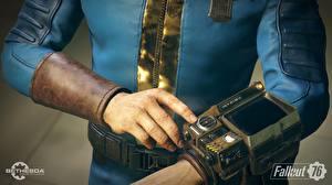 Обои Fallout Руки 76 Pip-Boy