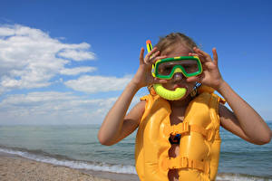 Обои Пальцы Девочки Очки Пляж Ребёнок