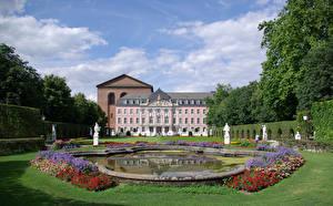 Обои Германия Здания Ландшафтный дизайн Пруд Скульптура Дворец Газоне Trier Kurfuerstliches Palais город