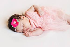 Фото Серый фон Грудной ребёнок Спящий Ребёнок