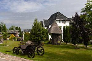 Фото Литва Дома Газоне Kretinga Природа