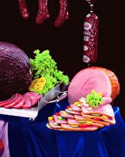Картинка Мясные продукты Колбаса Ветчина Овощи Нарезанные продукты Еда