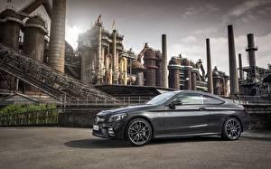 Фотографии Mercedes-Benz Серый Сбоку Купе AMG C 43 4MATIC 2018 Машины