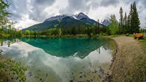 Картинки Горы Озеро Берег