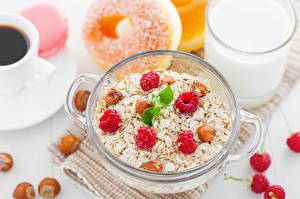 Фотографии Мюсли Малина Орехи Завтрак Пища