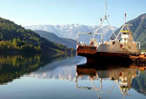 Фотография Норвегия Горы Речка Пирсы Корабли Ulvik