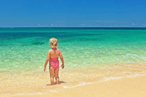 Фотография Море Девочки Пляж Вид Купальник Дети