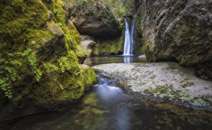 Фото Испания Водопады Утес Мох El Pinos Catalonia