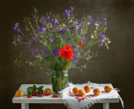 Фото Натюрморт Маки Абрикос Смородина Стола Колокольчики Банки цветок Еда