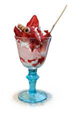 Фото Сладости Мороженое Клубника Белым фоном Бокал Продукты питания