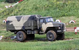 Картинки Грузовики 1996-2017 Ural-43206-0111-31 Машины