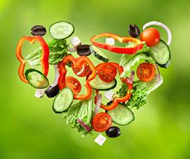 Картинки Овощи Оливки Помидоры Цветной фон Сердце Дизайн Пища