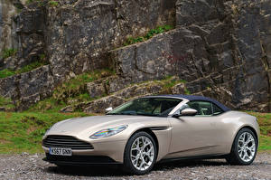 Картинка Aston Martin 2018 DB11 V8 Volante Автомобили