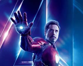 Картинка Мстители: Война бесконечности Железный человек герой Роберт Дауни мл. Мужчины Рука Фильмы Знаменитости
