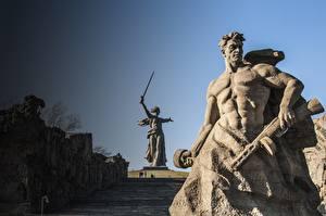 Фото Памятники Мужчины Волгоград The Motherland Calls, Mamayev Kurgan